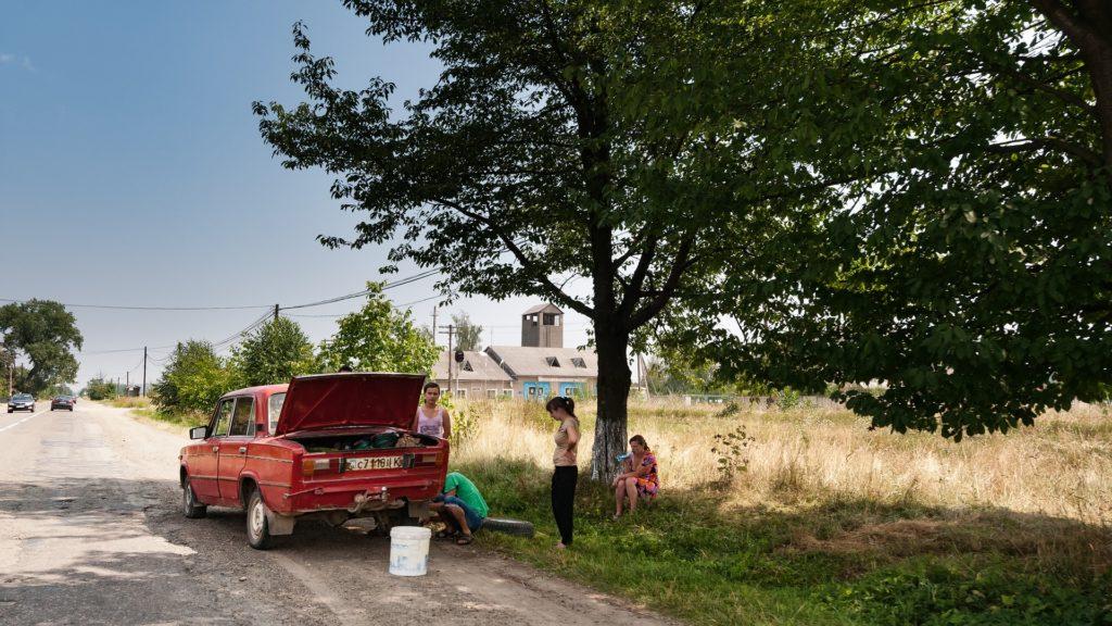Description: Une image contenant extérieur, herbe, camion, garé  Description générée automatiquement